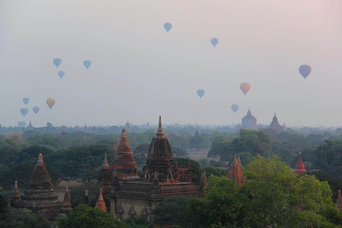 sunrise on the Bagan plain